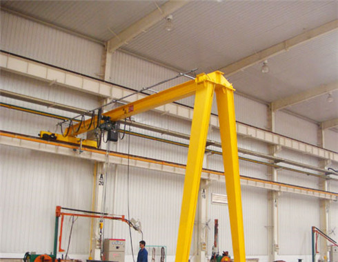 Semi 4 ton gantry crane for sale with the high quality.