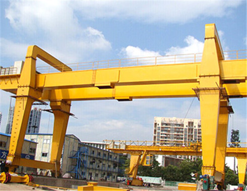 Cantilever gantry crane for sale with high quality.